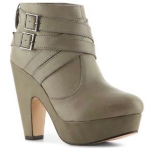 Seychelles THEORY Leather Platform Ankle Boots 9
